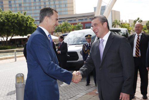 S. M. el Rey y el Hon. Alejandro García Padilla, en San Juan de Puerto Rico, el pasado mes de marzo